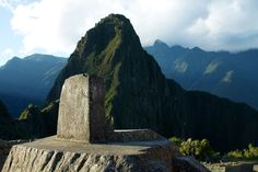 The Intihuatana at Machu Picchu appears to be a replica of the Huayna Picchu mountain peak! Intentionally so! (Peru)