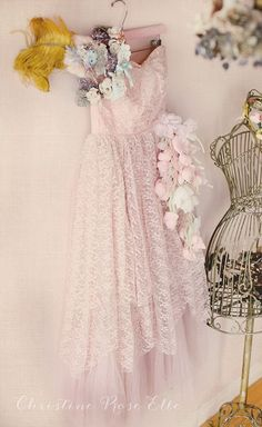 best ideas for shabby chic fashion dresses ana rosa Vintage Prom, Look Vintage, Vintage Lace, Vintage Dresses, Vintage Outfits, Vintage Fashion, Vintage Clothing, Fashion Art, Style Fashion