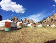 Ankunft im Ger Camp Camping, Park, House Styles, Home Decor, Mongolia, Buddhism, Landscape, Campsite, Decoration Home