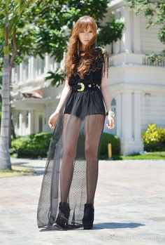 I love the whole thing. Hair, face, dress, shoes. Grr! itscamilleco.com0525201202
