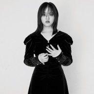 """김향기 """"연기 잘 담기 위해선 몸은 물론 멘탈도 건강해야"""" #드라마 #web #kdrama #romantic #best Goth, In This Moment, Style, Fashion, Moda, Gothic, Stylus, Goth Subculture, Fasion"""