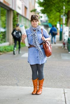 Urban Weeds: Street Style from Portland Oregon: Jen on SW Portland, Oregon Portland Street Style, Street Style Blog, Colorful Fashion, New Fashion, Street Fashion, Grey Tights, Grey Leggings, Stylish Outfits, Cute Outfits
