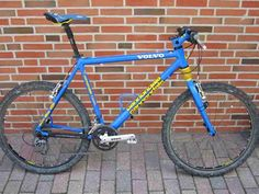 Cannondale Volvo team colours | Retro mountain bike