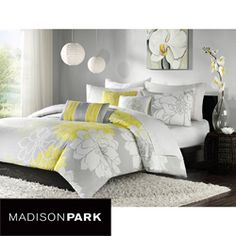 Grey/yellow bedding