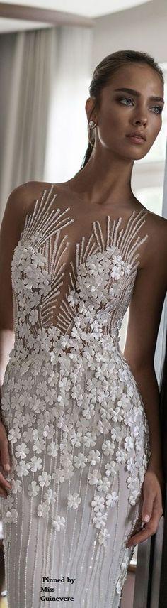Simply awesome wedding dress #wedding #weddingdress #weddinggown #dress