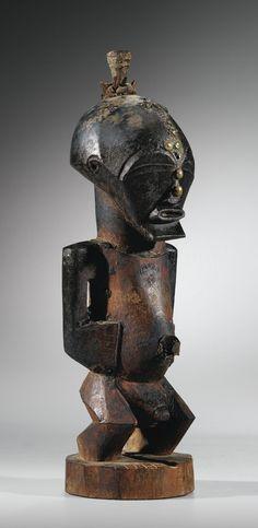 Songye Nkisi (Power Figure), Kalebwe Ya Ngongo, DR Congo  http://www.imodara.com/item/dr-congo-songye-nkisi-power-figure-kalebwe-ya-ngongo/