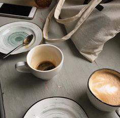 Coffee Art - Coffee As the Art and As the Medium of Art Coffee Date, Coffee Break, Morning Coffee, My Coffee, Coffee Meeting, Drink Coffee, Black Coffee, Sunday Morning, Aesthetic Coffee