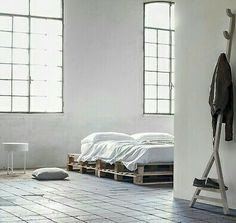 Pallet bed...and white