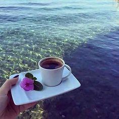 #Naildrops #goodmorning  Καλημερααααα!!!τι ωραια θα ηταν να πιναμε ενα καφεδακι στην παραλια.....