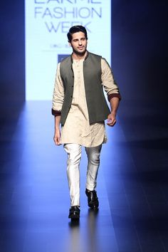 Siddharth Malhotra walks for Kunal Rawal at Lakme India Fashion Week #LFW #LIFW2016 #summerfashion #Frugal2Fab