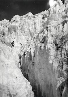 The Nup La ice-fall, where Edmund Hillary narrowly escaped death.