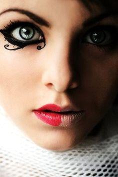 mysticm: nuzanss: lady-lestrange: ravelovegood: (via la-muse, andiiiiiix) (via sky-blue-eyes) Harley Quinn