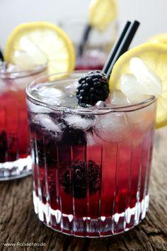 BLACKBERRY GIN COOLER [foodistas]