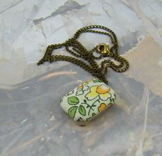 Vintage Flower Necklace Hurry Spring Hurry Fabric by BellesBeehive