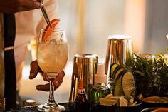 Lo Hacemos Bien   Ricos Cocktails Bebida Mojito, Gin, Alcoholic Drinks, Cocktails, White Wine, Glass, Drink Recipes, Drink Recipes, Make Envelopes