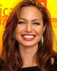 Angelina Jolie Makeup, Angelina Joile, Angelina Jolie Pictures, Angelina Jolie Photos, Beautiful Celebrities, Beautiful Actresses, Beautiful Smile, Beautiful Women, Plastic Surgery