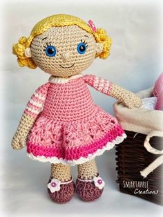Smartapple Creations - amigurumi and crochet: Emma - amigurumi doll