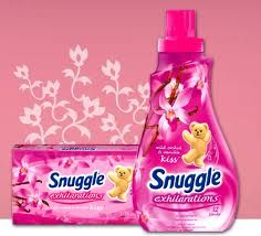Get The FREE sample of the our daily used thing's! Click on the link to find more....http://thecoolmomblog.com/snuggle-samples-tayyab
