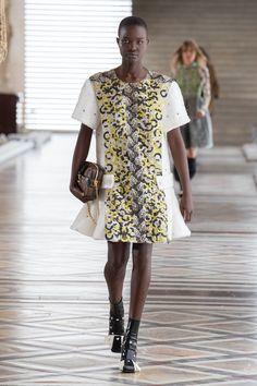 Louis Vuitton | Ready-to-Wear Autumn 2021 | Look 23 Live Fashion, Fashion Week, Runway Fashion, Fashion Show, Paris Fashion, Nicolas Ghesquière, Louis Vuitton, Yves Klein Blue, Atelier