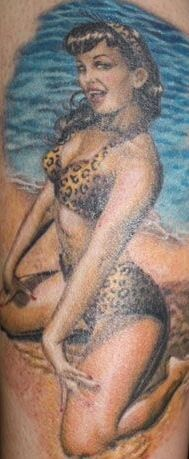 Mar Escola Bettie Page Tattoo