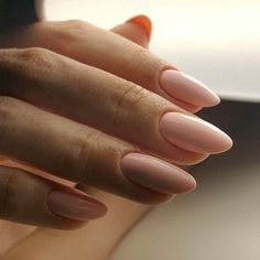 If you don't like fancy nails, classy nude nails are a good choice because they are suitable for girls of all styles. And nude nails have been popular in recent years. If you also like Classy Nude Nail Art Designs, look at today's post, we have col Nail Art Designs Images, Best Nail Art Designs, Ten Nails, Almond Nails Designs, Manicure Y Pedicure, Chrome Nails, Nude Nails, Coffin Nails, Wedding Nails