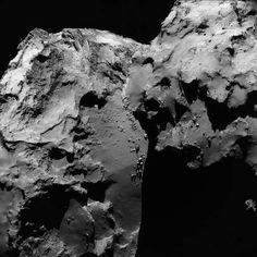 Une des dernières vues de la comète mise en ligne sur le site de l'Agence spatiale européenne. Elle a été acquise par Rosetta le 17 juin 2016 alors qu'elle se trouvait à 30,8 kilomètres du noyau de 67P/Churyumov-Gerasimenko. © Esa, Rosetta, NavCam