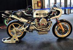 Moto Guzzi silver Cafe Racer #motoguzzi #caferacer #italianbike #Italy #motorcycles