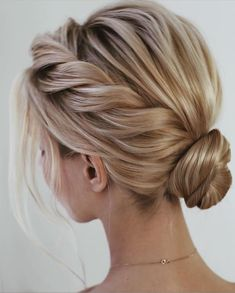 Homecoming Hairstyles For Short Hair - Hair styles - Amigurumi , Crochet , Knitting Prom Hairstyles For Short Hair, Braids For Short Hair, Braid Hairstyles, Prom Hair Bun, Bob Hair Updo, Hairstyles For Short Hair Formal, Bridesmaid Hair Updo, Messy Braids, Party Hairstyles
