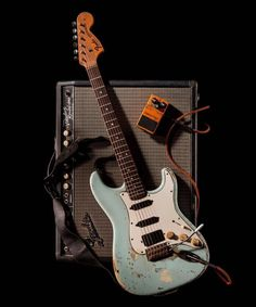 Road-worn vintage Fender Stratocaster and Vobroluxe Reverb amp. Fender Stratocaster, Fender Guitars, Fender Bass, Acoustic Guitars, Fender Jaguar, The Killers, Easy Guitar, Cool Guitar, Guitar Girl