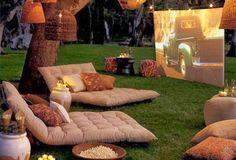 Кино на заднем дворе