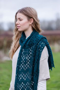 "Saiph geometric lace stle by Irina Dmitrieva. Shown in color ""Treehouse"". From Brooklyn Tweed's ""Wool People Collection. Photographed by Jared Flood. Easy Knitting Patterns, Shawl Patterns, Hand Knitting, Knitting Scarves, Irina S, Provisional Cast On, Brooklyn Tweed, Stockinette, Knitted Shawls"