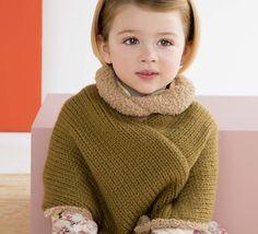 Le poncho est l'alternative parfaite entre la veste et le gilet, idéal pour la saison. Tricoté en 'Fil PHIL DOUCE', coloris Mousse et Chamois.Modèle N°20 du catalogue N°127 : Bébé & Enfant, Automne/Hiver 2015