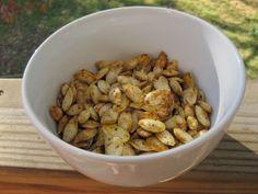Easy Roasted Pumpkin Seeds Recipe [vegan]