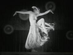 Brigitte Helm marias-dance-metropolis.jpg (1600×1221)