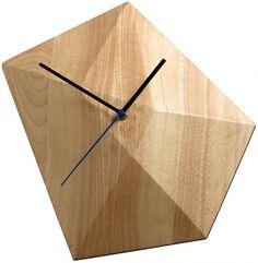 Moderne ure til boligen fra BoConcept Handmade Wood Furniture, Plywood Furniture, Modern Furniture, Furniture Design, Diamond Wall, Cool Clocks, Modern Clock, Clock Art, Hanging Family Photos