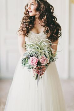 Pretty bouquet: http://www.stylemepretty.com/destination-weddings/2012/12/31/fifty-shades-of-grey-inspiration-shoot-from-2-brides-photography/ | Photography: 2 Brides - http://2brides.se/