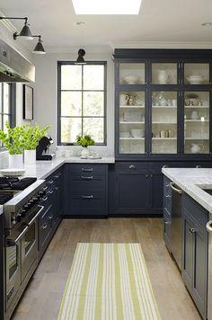 Een mooie landelijke keuken in klassiek traditioneel blauw | Nice country kitchen in classic traditional blue