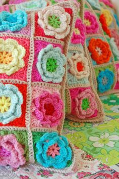 crochet pillows, very pretty!