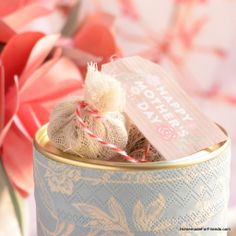 Floral Herbal Tea: A perfect homemade gift and recipe for everything from Mother's Day to Wedding Favors! 2018 Christmas Gifts, Christmas Gifts For Mom, Tea Tag, Best Gifts For Mom, Gift Labels, Herbal Tea, Food Gifts, Kraut, Gift Packaging