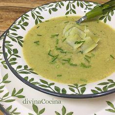 Esta crema de alcachofas se prepara con una receta fácil y es un primer plato muy especial y festivo. Se puede preparar con alcachofas frescas o congeladas.
