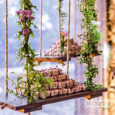 Após muita observação, eis minha lista para as tendências para casamentos em 2020!  Vem conferir Sunset Wedding, Floral Wedding, Rustic Wedding, Dream Wedding, Wedding Day, Cruise Wedding, Floral Centerpieces, Wedding Trends, Wedding Decorations