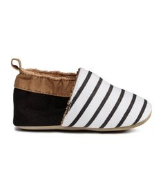 Super soft shoes with stripes