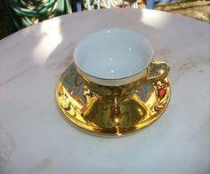 Φλιτζάνι με πιατάκι σε χρυσό  γυαλιστερό χρώμα