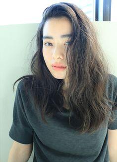 omamidami Messy Hairstyles, Hair And Nails, Asian Beauty, Hair Makeup, Hair Cuts, Hair Beauty, Long Hair Styles, Portrait, Space