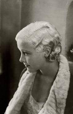 size: Premium Photographic Print: Vanity Fair - June 1933 by Edward Steichen : Hollywood Stars, Old Hollywood Glamour, Golden Age Of Hollywood, Vintage Glamour, Vintage Hollywood, Classic Hollywood, Vintage Beauty, Edward Steichen, Helen Twelvetrees