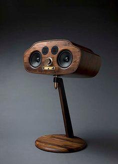 Golden Bug I steel, brass, birch plywood, x 350 x 2015 small Diy Bluetooth Speaker, Pro Audio Speakers, Horn Speakers, Diy Speakers, Hifi Audio, Audio Design, Speaker Design, Homemade Speakers, Wooden Speakers