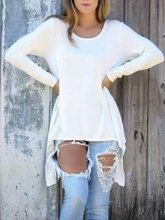 This sweater looks great with jeans for a casual Fall outfit//