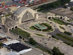 The Cincinnati Museum Center at Union Terminal. Cincinnati Museum, Cincinnati Reds, Cincinnati Downtown, Cleveland, Events Place, Kings Island, Art Deco Buildings, Ohio River, Celebrity Travel
