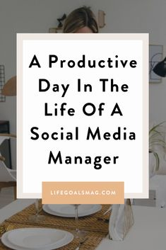 What goes on in a day in the life of a social media manager? What does the lifestyle look like when you're in freelance social media? Explore this average day for this social media manager living in New York City. Productive Day, Go Getter, Living In New York, Career Goals, What Goes On, The Life, Productivity, Finding Yourself, Management