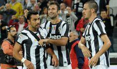 Juventus Juventus Soccer, Hockey, Football, Verona, Sports, Tops, Soccer, Hs Sports, Futbol